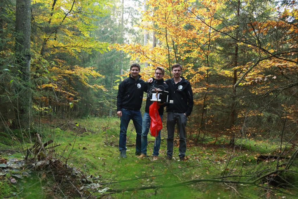 Bergung Wetterballon im Wald