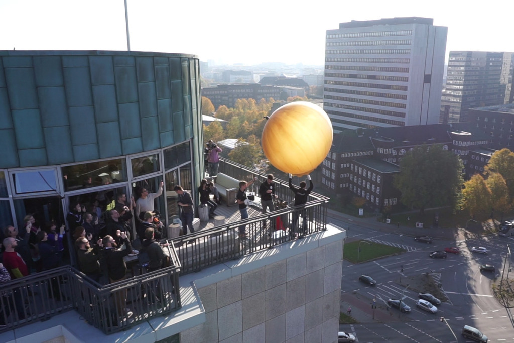 Alstertower Dachterrasse Wetterballon
