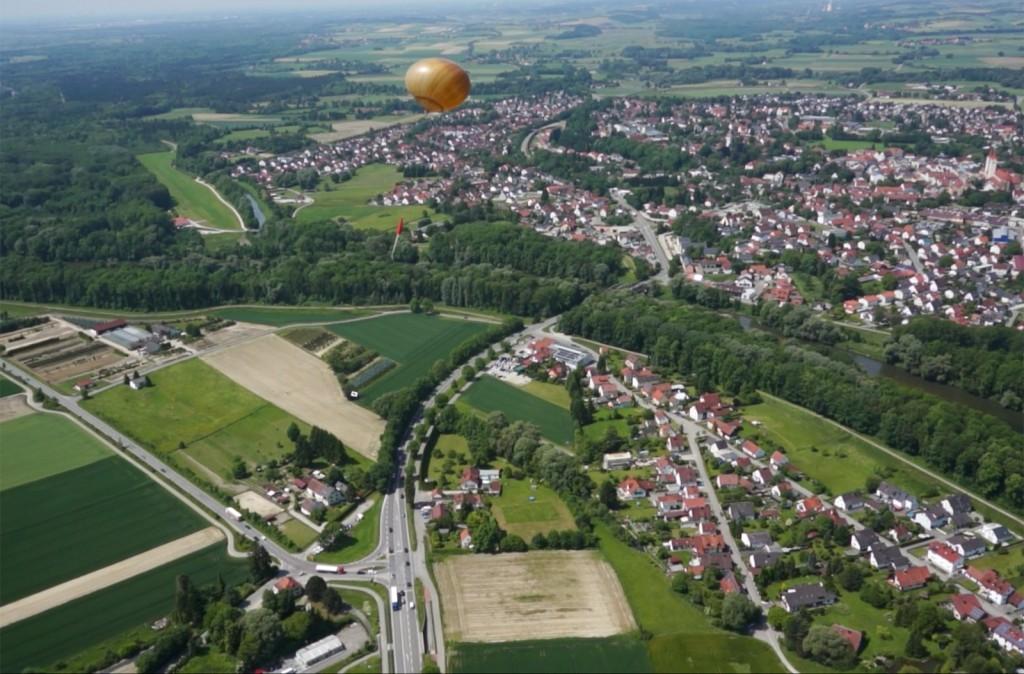 Octocopter filmt Wetterballon
