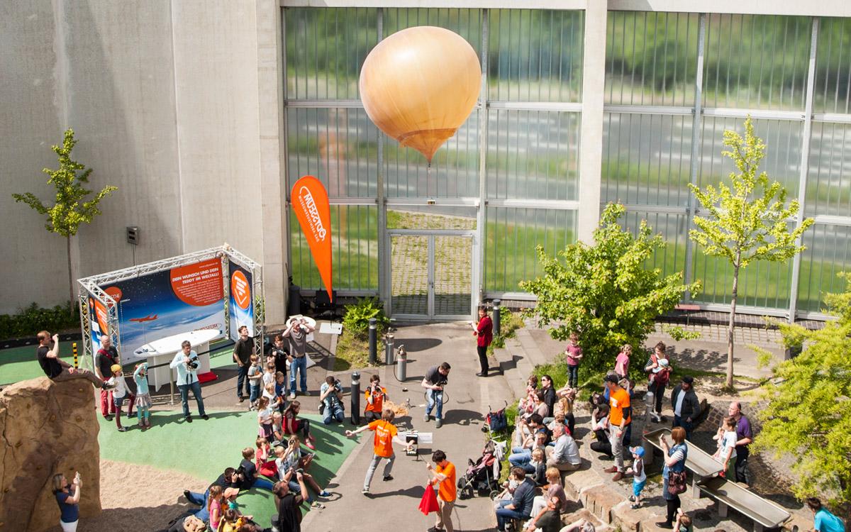 Firmenfeier-Idee Space Event